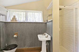 Bathroom 1 300x200 - Bathroom