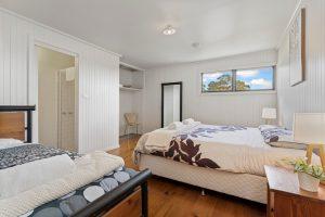 Ensuite bedroom 300x200 - Ensuite bedroom